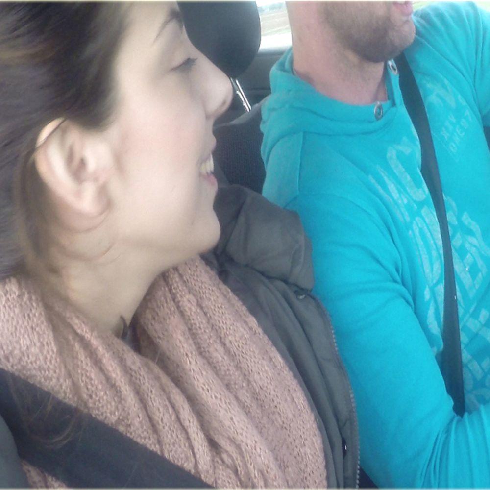 Blow und Handjob waehrend der Fahrt macht Spass